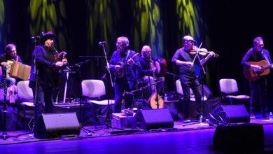 Photo of Milladoiro repasa as súas catro décadas de historia musical no Barco