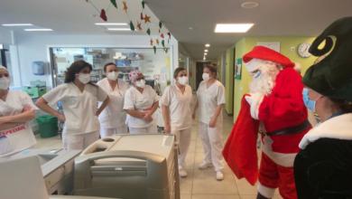 Photo of Papá Noel visita o Hospital Universitario de Ourense