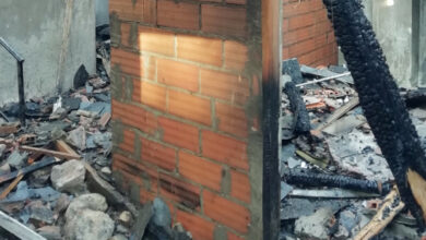 Photo of O incendio de Petín destrúe as dúas casas afectadas