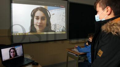 Photo of Estudantes da Universidade Internacional de Valencia realizan as prácticas online no Pablo VI-Fátima da Rúa