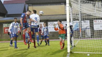 Photo of Os goles de Omar dan a vitoria ao Barco no amigable contra o Ponferradina B
