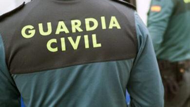 Photo of A Garda Civil detén no Barco a dous homes que estaban forzando a porta dun bar